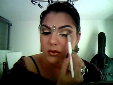 Bollywood eye makeup