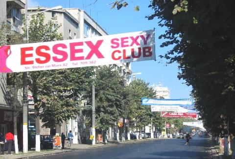 sexclub gwen stefani nude   non nude