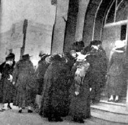 Wimmin$prostitutes-demo-1914
