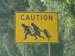 immigrant_crossing_san_diego_03-18-2004