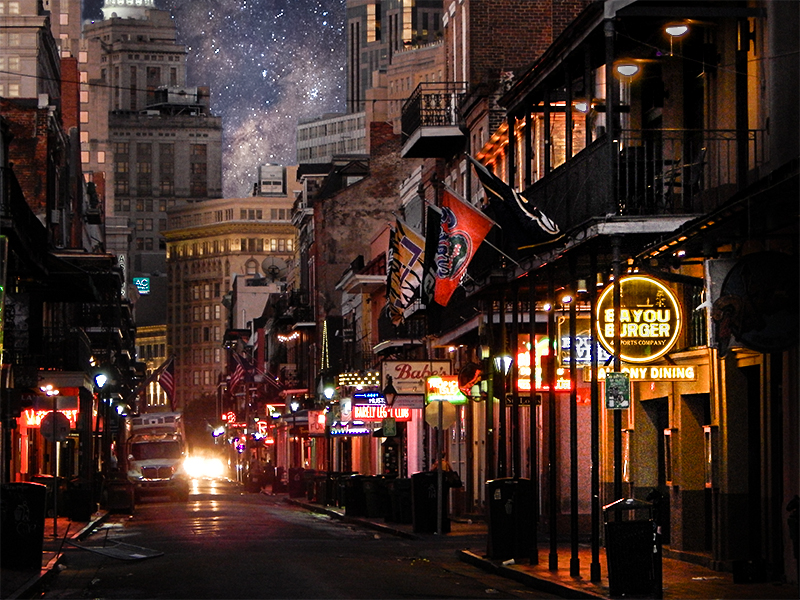 Bayou-Burger-Sports-Bar-features-balcony-dining-Bourbon-Street-New-Orleans-LA